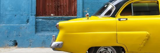 philippe-hugonnard-cuba-fuerte-collection-panoramic-close-up-of-yellow-taxi-of-havana-ii