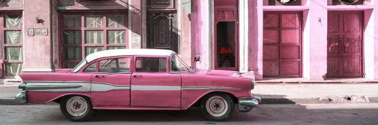philippe-hugonnard-cuba-fuerte-collection-panoramic-old-pink-car-in-havana