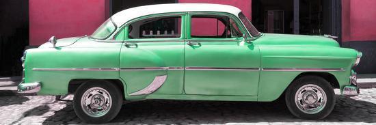 philippe-hugonnard-cuba-fuerte-collection-panoramic-retro-green-car