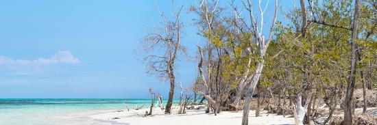 philippe-hugonnard-cuba-fuerte-collection-panoramic-white-sand-beach