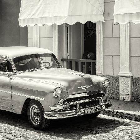 philippe-hugonnard-cuba-fuerte-collection-sq-bw-close-up-of-cuban-taxi-trinidad