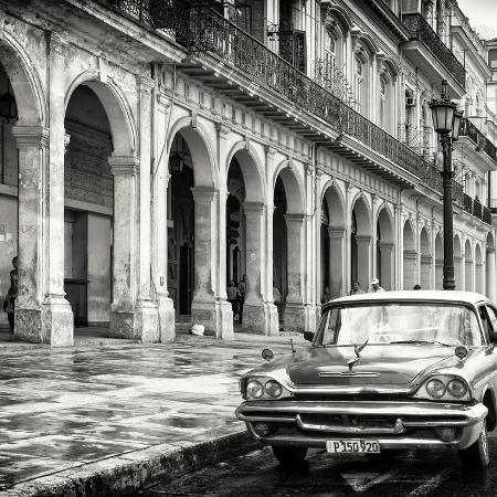 philippe-hugonnard-cuba-fuerte-collection-sq-bw-colorful-buildings-and-taxi-car