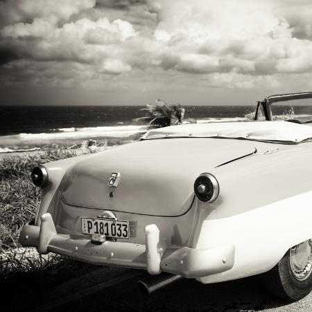 philippe-hugonnard-cuba-fuerte-collection-sq-bw-old-classic-car-cabriolet