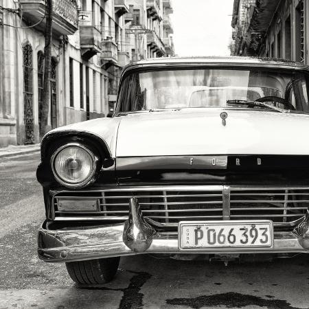 philippe-hugonnard-cuba-fuerte-collection-sq-bw-old-ford-car