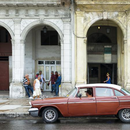 philippe-hugonnard-cuba-fuerte-collection-sq-havana-street-scene