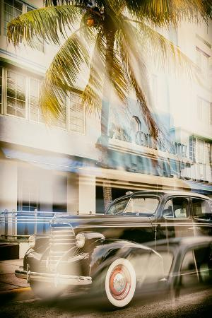 philippe-hugonnard-instants-of-series-classic-antique-car-of-art-deco-district-ocean-drive-miami-beach