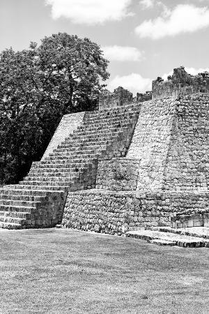 philippe-hugonnard-viva-mexico-b-w-collection-maya-archaeological-site-i-campeche