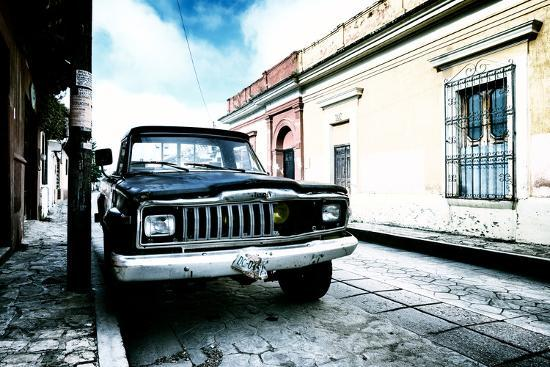 philippe-hugonnard-viva-mexico-collection-black-jeep-and-colorful-street-iii