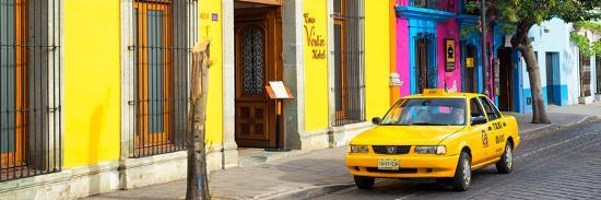 philippe-hugonnard-viva-mexico-panoramic-collection-colorful-street-in-oaxaca-viii
