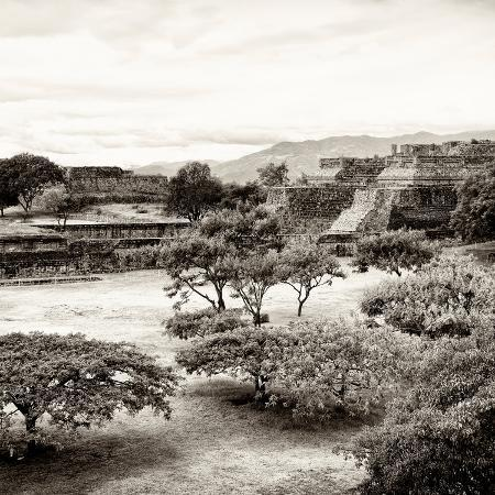 philippe-hugonnard-viva-mexico-square-collection-pyramid-maya-of-monte-alban-ii