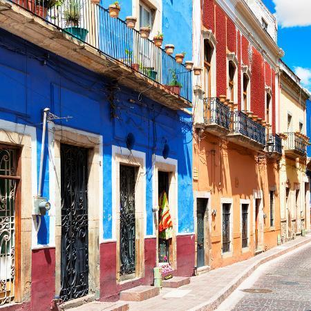 philippe-hugonnard-viva-mexico-square-collection-street-scene-guanajuato