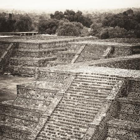 philippe-hugonnard-viva-mexico-square-collection-teotihuacan-pyramids-ruins