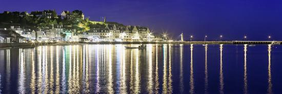 philippe-manguin-cancale-at-night