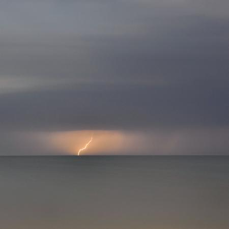philippe-manguin-storm-at-vendee