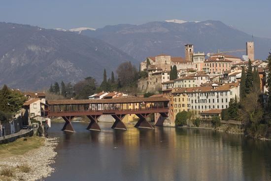 ponte-degli-alpini-bassano-del-grappa-veneto-italy