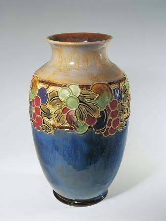 porcelain-royal-doulton-vase