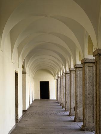 portico-of-ground-floor-brixen-palace-trentino-alto-adige-italy-16th-century