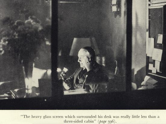 portrait-of-edgar-wallace-at-his-desk