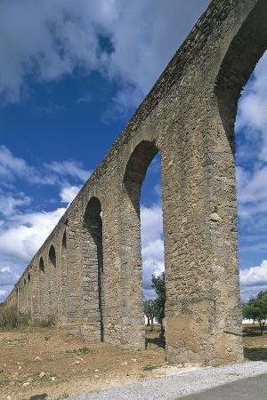 portugal-evora-aqueduct-aqueduto-da-agua-de-prata