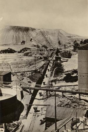 postcard-depicting-a-mine-dump-at-the-robinson-deep-gold-mine