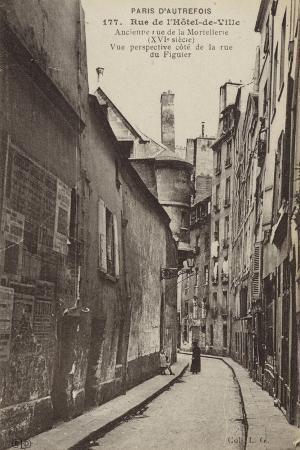 postcard-depicting-old-paris