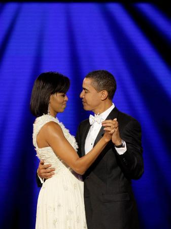 president-barack-obama-and-first-lady-dance-together-at-neighborhood-inaugural-ball-in-washington