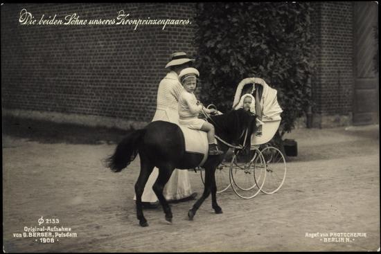prinz-wilhelm-auf-dem-pony-mit-prinz-louis-ferdinand
