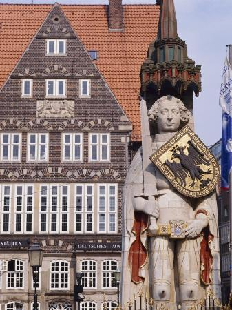 r-richardson-r-richardson-statue-and-architecture-of-the-main-square-bremen-germany