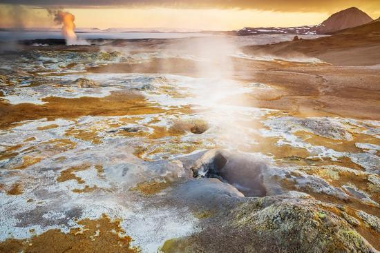 ragnar-th-sigurdsson-geothermal-hot-springs-mud-pots-and-fumaroles-namaskard-close-to-lake-myvatn-northern-iceland