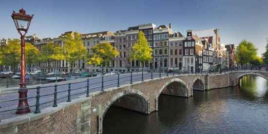 rainer-mirau-houses-near-the-keizersgracht-reguliersgracht-amsterdam-the-netherlands