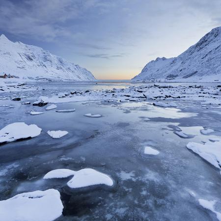 rainer-mirau-indre-skjelfjorden-flakstadoya-island-lofoten-nordland-county-norway