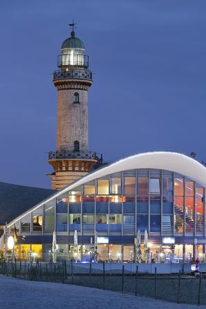 rainer-mirau-lighthouse-of-warnem-nde-teepott-mecklenburg-western-pomerania-germany