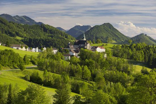 rainer-mirau-maria-neustift-foothills-of-the-alps-upper-austria-austria