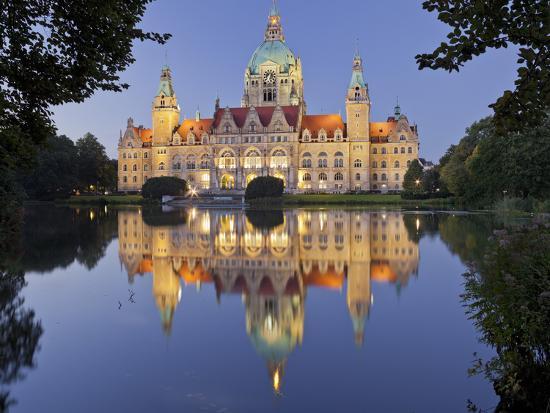rainer-mirau-new-town-hall-maschteich-machpark-hanover-lower-saxony-germany