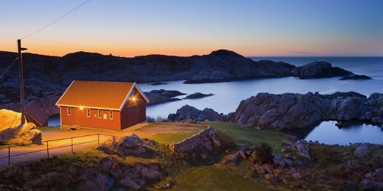 rainer-mirau-norway-vest-adger-houses-coast-dusk