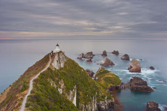 rainer-mirau-nugget-point-lighthouse-otago-south-island-new-zealand
