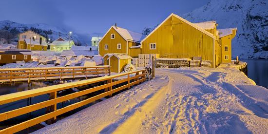 rainer-mirau-nusfjord-flakstadoya-island-lofoten-nordland-county-norway