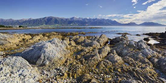rainer-mirau-rock-formations-kaikoura-peninsula-manakau-mountains-canterbury-south-island-new-zealand