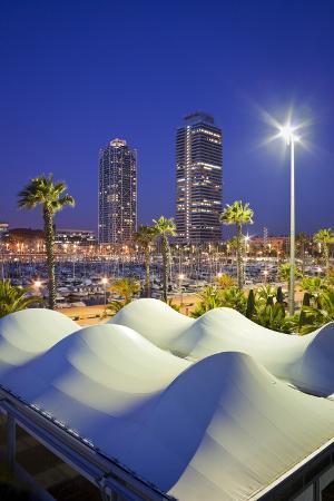 rainer-mirau-spain-catalonia-barcelona-olympic-harbour-high-rises-dusk