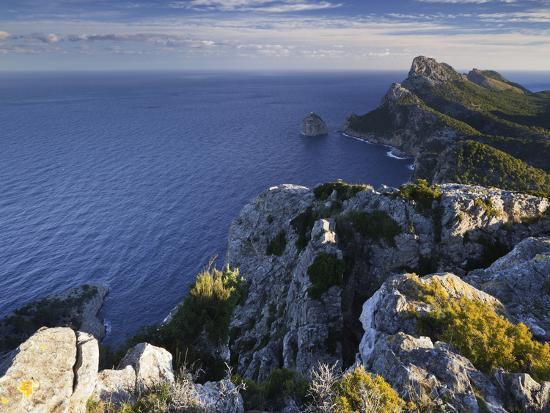 rainer-mirau-spain-majorca-formentor-peninsula-rock-the-mediterranean-sea