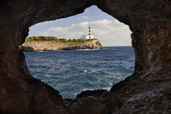 rainer-mirau-spain-mallorca-east-coast-lighthouse-of-portocolom-punta-de-s-homonet-rock-hole