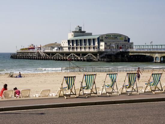 rainford-roy-deckchairs-beach-and-pier-bournemouth-dorset-england-united-kingdom-europe