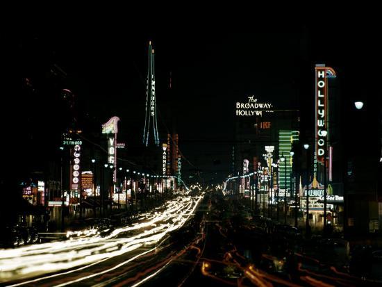 ralph-crane-neon-lights-shining-in-hollywood