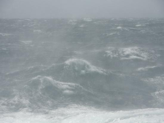 ralph-lee-hopkins-spindrift-blows-off-waves-in-gale-force-winds