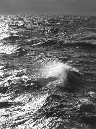ralph-lee-hopkins-storm-waves-south-ocean-drakes-passage-antarctica