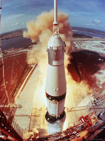 ralph-morse-apollo-11-space-ship-lifting-off-on-historic-flight-to-moon