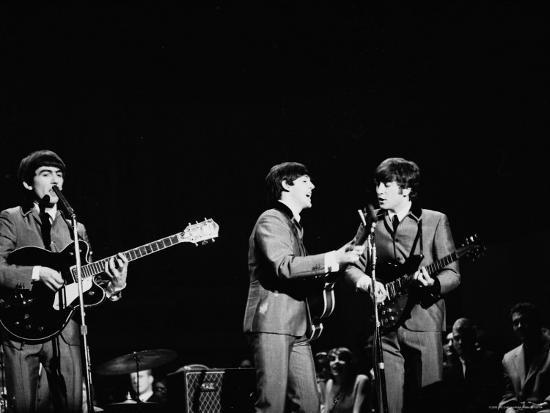 ralph-morse-pop-music-group-the-beatles-in-concert-george-harrison-paul-mccartney-john-lennon