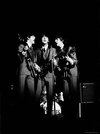 ralph-morse-pop-music-group-the-beatles-in-concert-paul-mccartney-john-lennon-george-harrison