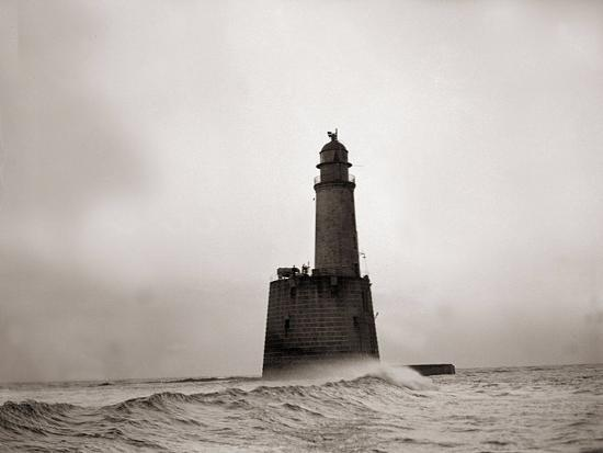 rattray-head-lighthouse-scotland-december-1943