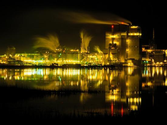 raymond-gehman-a-time-exposure-taken-at-night-of-the-mill-and-the-river